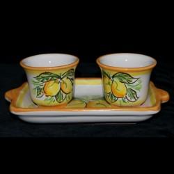 Servizio a due tazzine in ceramica di Caltagirone.