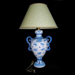 Lume in ceramica di Caltagirone.